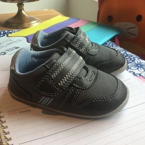 Carter's stage 2 shoes